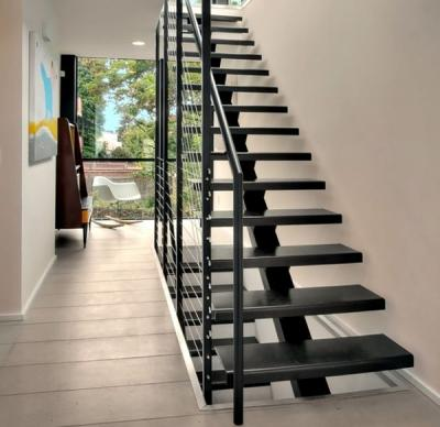 Cầu thang - lan can sắt hoàn toàn