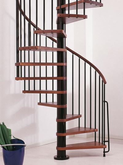 Cầu thang sắt xoắn ốc, bậc gỗ đẹp