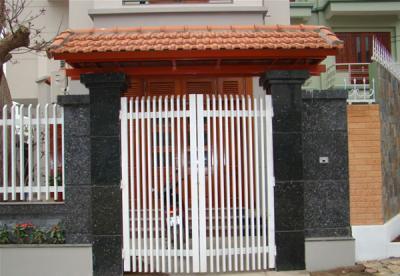 Cửa cổng sắt 2 cánh đẹp 1