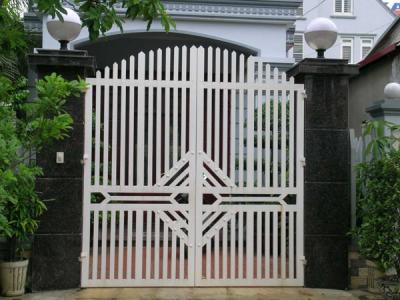 Cửa cổng sắt 2 cánh đẹp giá rẻ